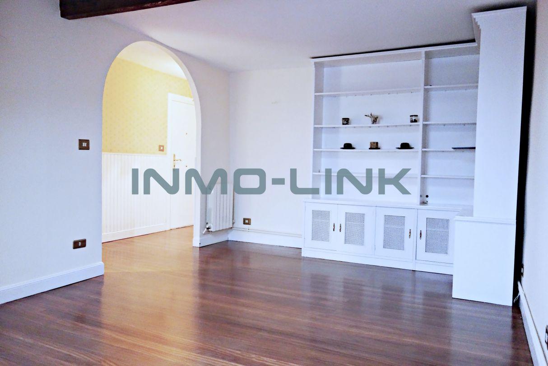 Excelente piso EXTERIOR, LUMINOSO, CÉNTRICO y RECIEN ...